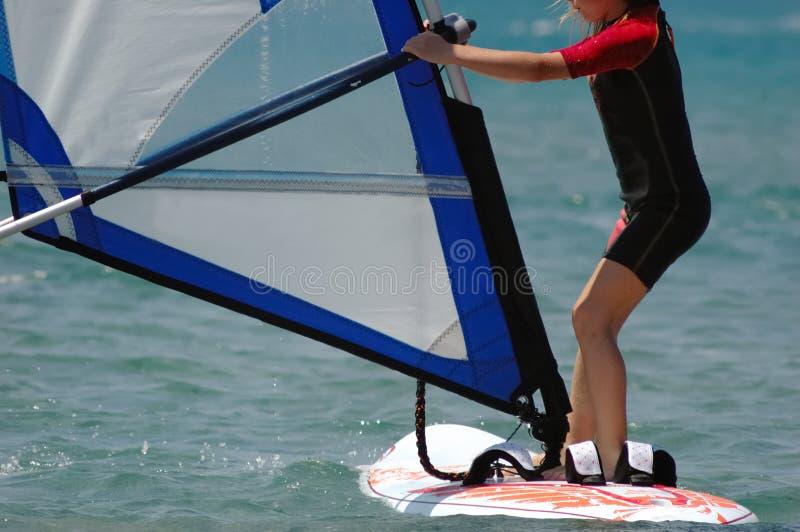 κορίτσι windsurf στοκ φωτογραφία