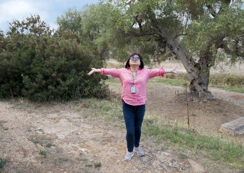 Κορεατική γυναίκα στις διακοπές στο λάμα Δ ` Antico Ιταλία στοκ εικόνες