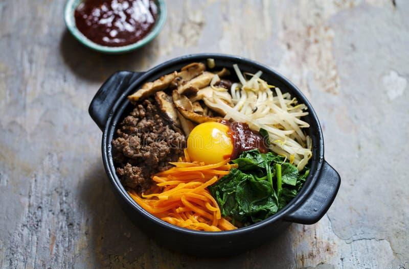 Κορεατικό πιάτο bibimbap στοκ εικόνα με δικαίωμα ελεύθερης χρήσης