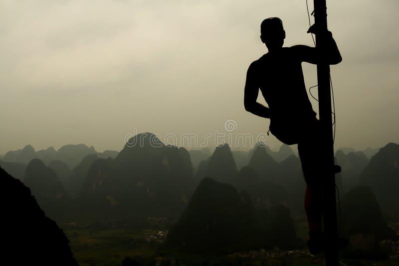 κορυφή βουνών ατόμων στοκ φωτογραφίες με δικαίωμα ελεύθερης χρήσης