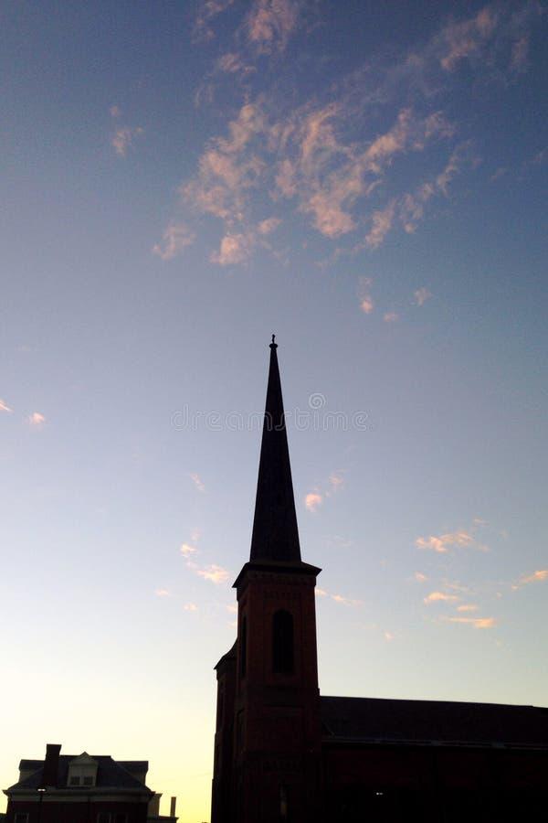 Κορυφή εκκλησιών σε μια μικρή πόλη στοκ εικόνα με δικαίωμα ελεύθερης χρήσης