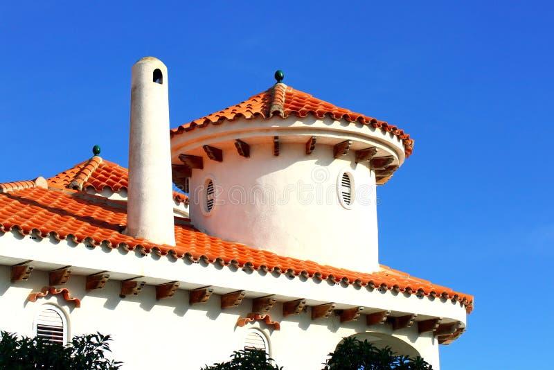 Κορυφή της ισπανικής στέγης ύφους σε Alcossebre στοκ εικόνα με δικαίωμα ελεύθερης χρήσης