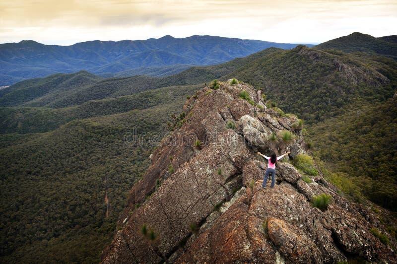 κορυφαία γυναίκα βουνών στοκ εικόνες