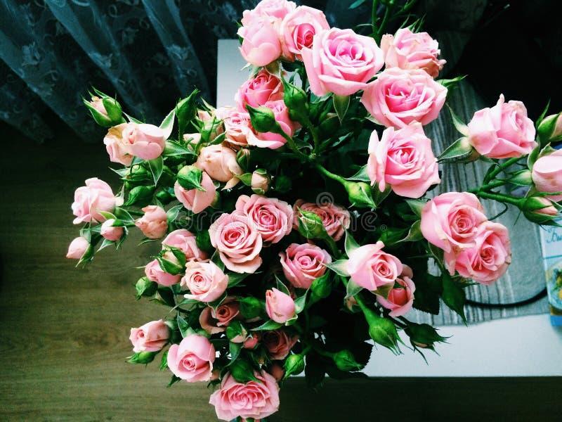 κορυφαία όψη τριαντάφυλλων ανθοδεσμών στοκ εικόνες