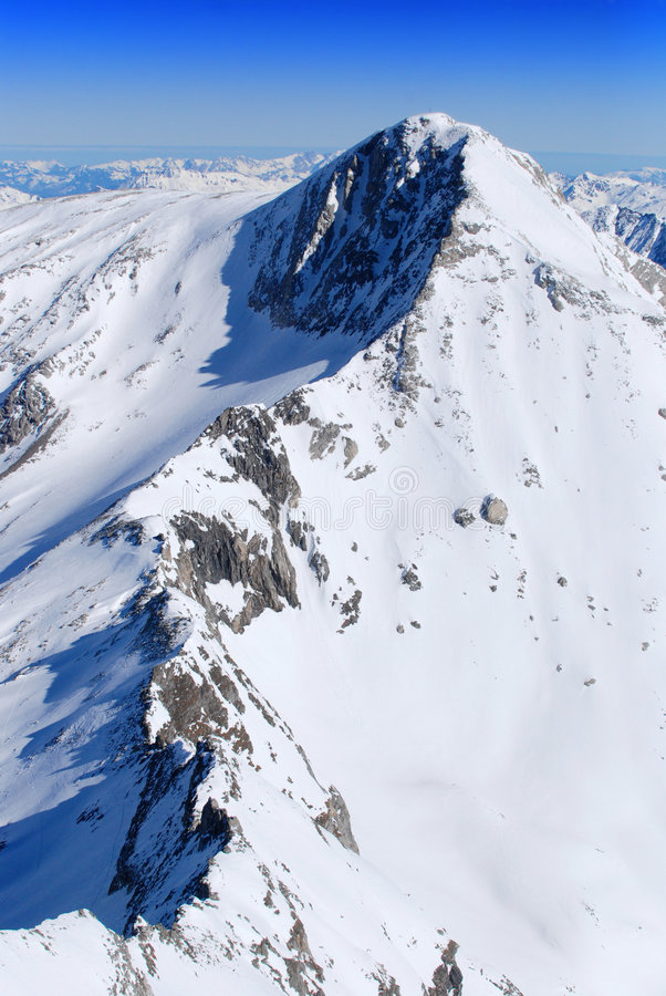 κορυφογραμμή βουνών στοκ φωτογραφίες με δικαίωμα ελεύθερης χρήσης