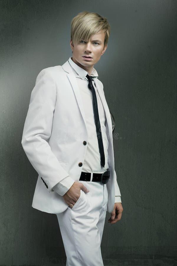 κοστούμι ατόμων που φορά τ&om στοκ φωτογραφία με δικαίωμα ελεύθερης χρήσης