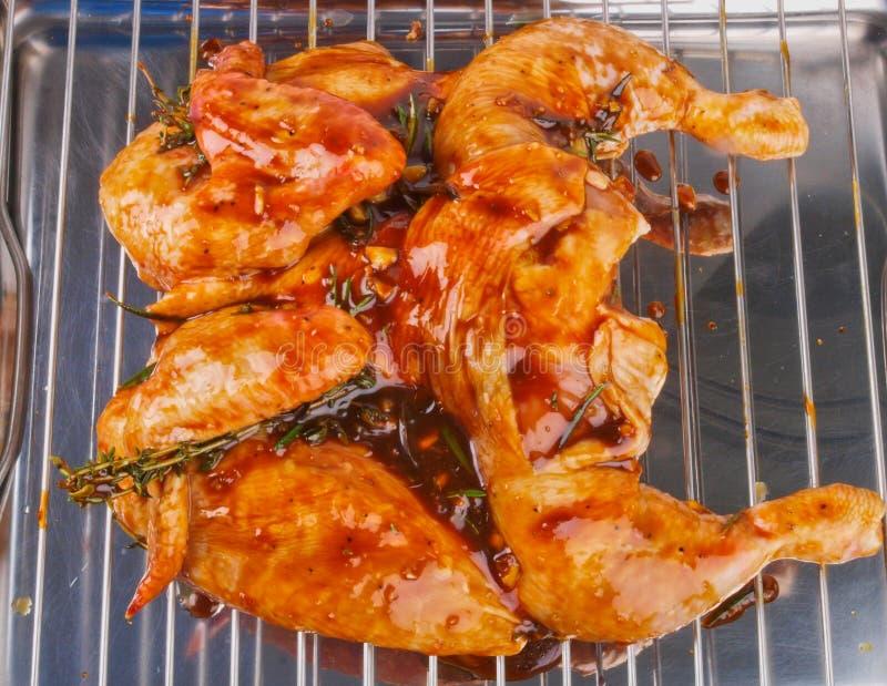 κοτόπουλο που μαρινάρε&tau στοκ εικόνες με δικαίωμα ελεύθερης χρήσης