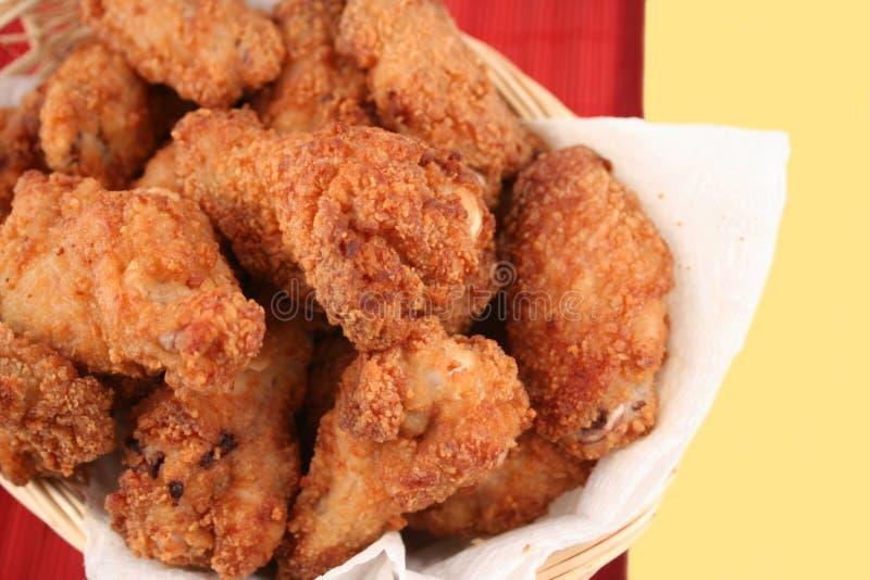 κοτόπουλο 4 που τηγανίζ&epsilon στοκ εικόνες