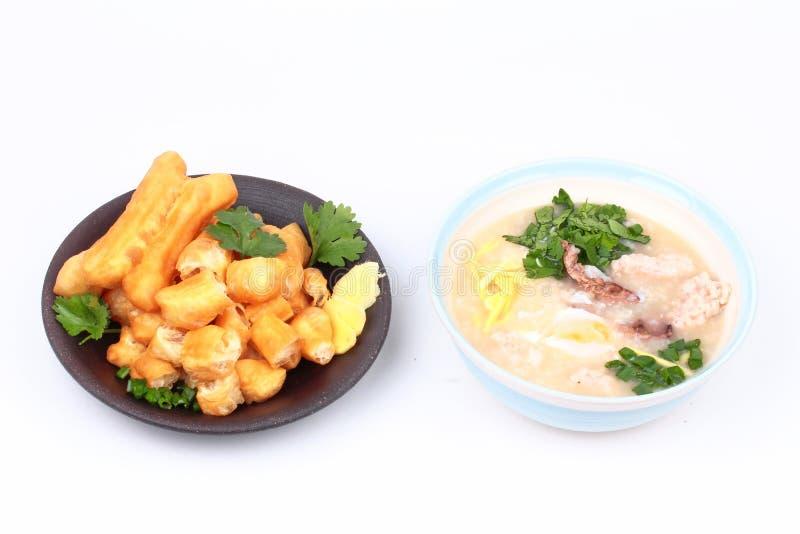 Κουάκερ ρυζιού με το βρασμένο αυγό, κομματιασμένο χοιρινό κρέας, συκώτι κοτόπουλου, Ging στοκ εικόνες με δικαίωμα ελεύθερης χρήσης