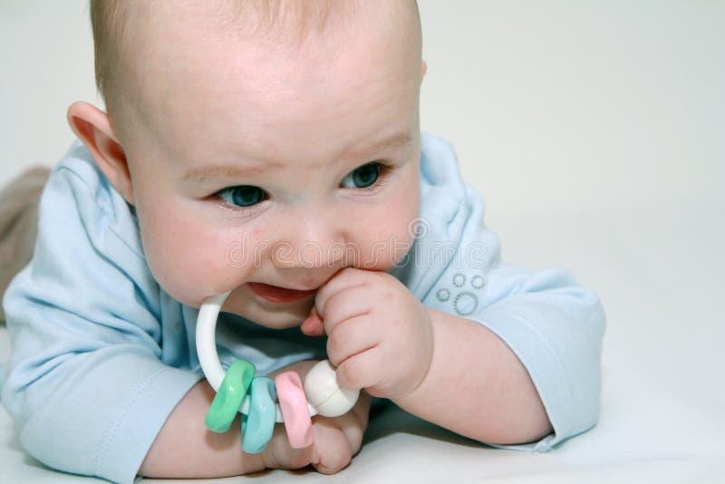κουδούνισμα παιχνιδιού μωρών στοκ εικόνες
