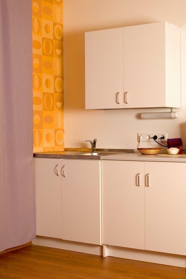 Download κουζίνα γωνιών στοκ εικόνα. εικόνα από ντουλάπι, άσπρος - 95579