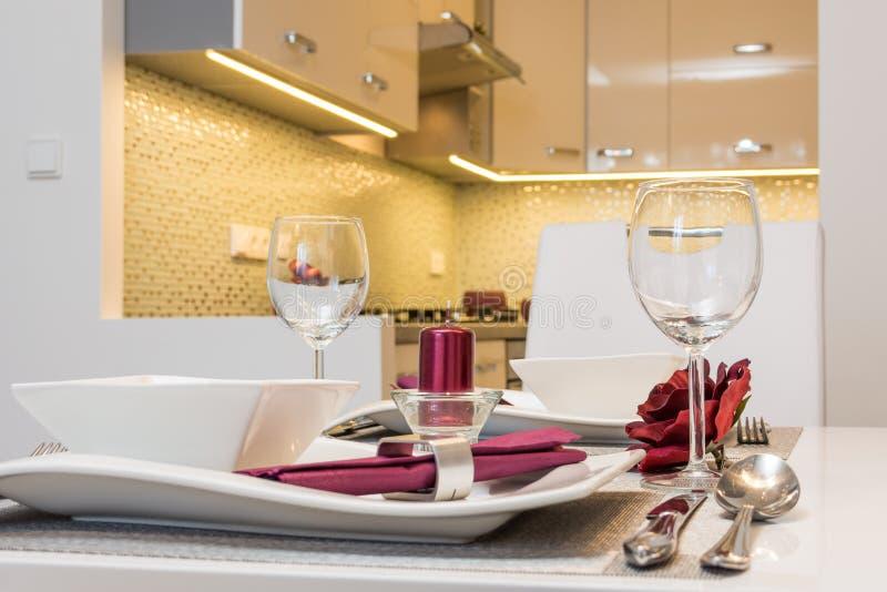 Κουζίνα διαμερισμάτων στοκ φωτογραφία