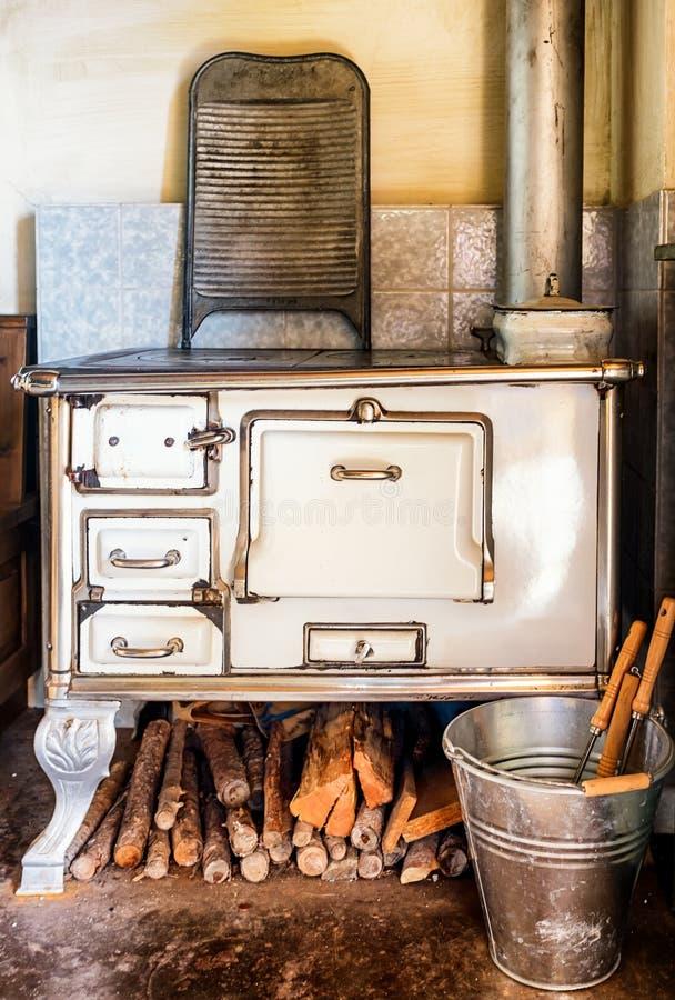 κουζίνα παλαιά στοκ φωτογραφία με δικαίωμα ελεύθερης χρήσης