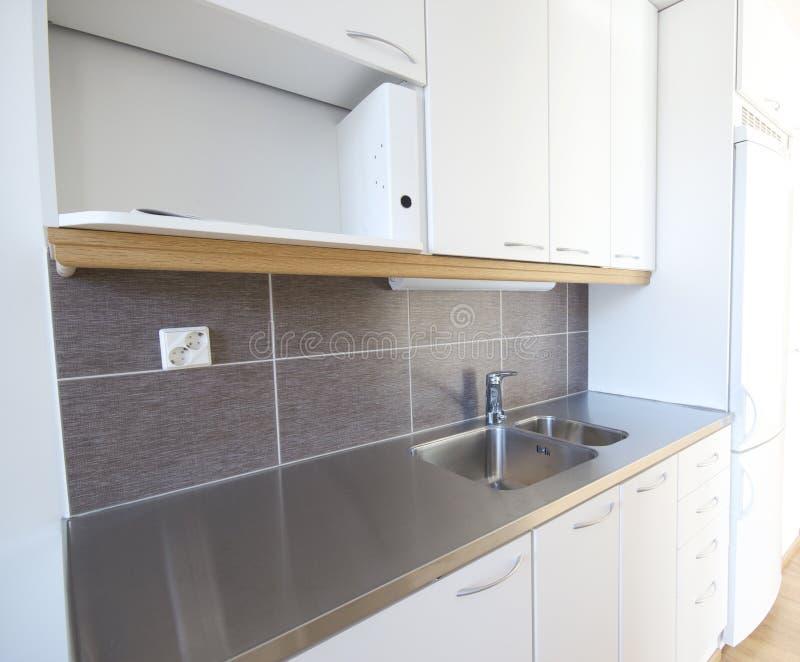 κουζίνα σπιτιών νέα στοκ εικόνα με δικαίωμα ελεύθερης χρήσης