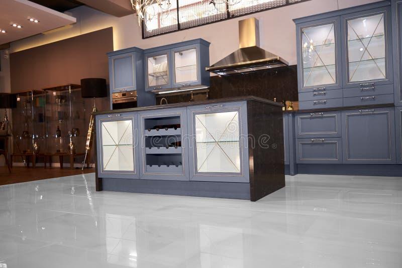 Κουζίνα Upscale σε ένα σύγχρονο σπίτι στοκ εικόνα με δικαίωμα ελεύθερης χρήσης