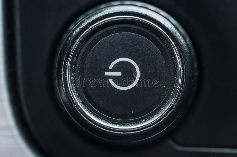 Κουμπί δύναμης με ένα χαρακτηριστικό σύμβολο που σημαίνει να ανοίξει  στοκ εικόνα με δικαίωμα ελεύθερης χρήσης