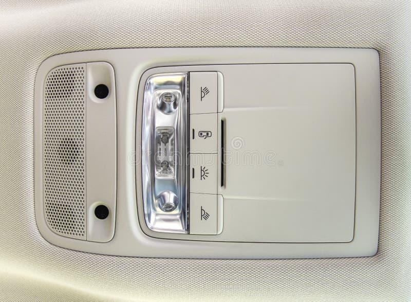 Κουμπιά στεγών μέσα στο εσωτερικό αυτοκίνητο αυτοκίνητο εξοπλισμού στοκ εικόνα