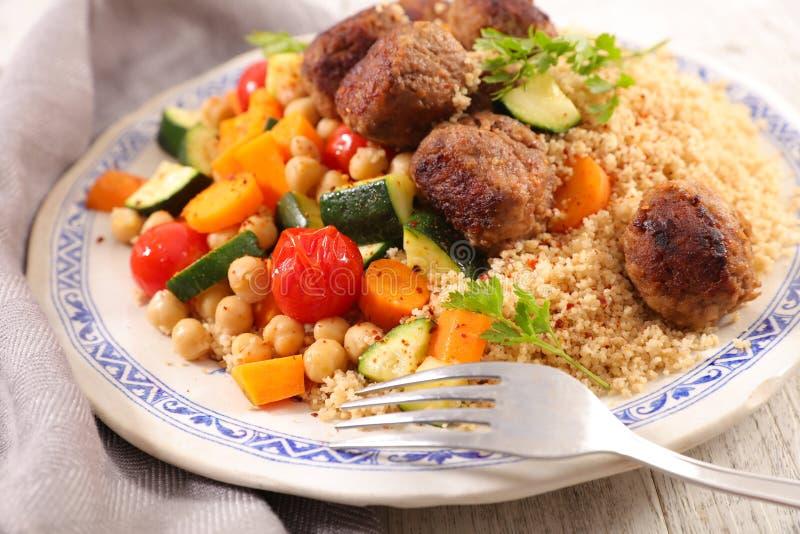 Κουσκούς, λαχανικό και κρέας στοκ φωτογραφία