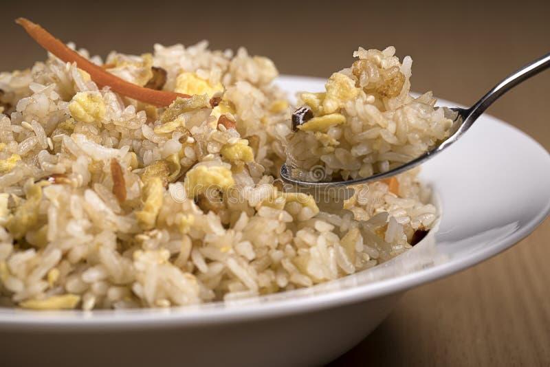 Κουταλιά του εύγευστου τηγανισμένου ρυζιού στοκ φωτογραφία με δικαίωμα ελεύθερης χρήσης