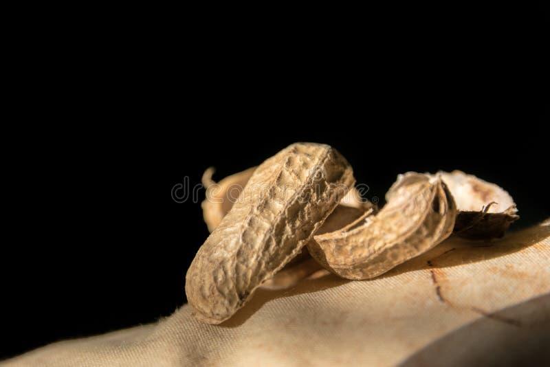 Κοχύλια του φυστικιού κατά την άποψη κινηματογραφήσεων σε πρώτο πλάνο στοκ φωτογραφία