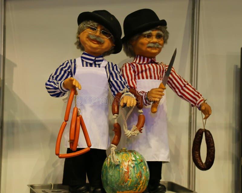 Κούκλες με τα λουκάνικα στοκ φωτογραφίες με δικαίωμα ελεύθερης χρήσης