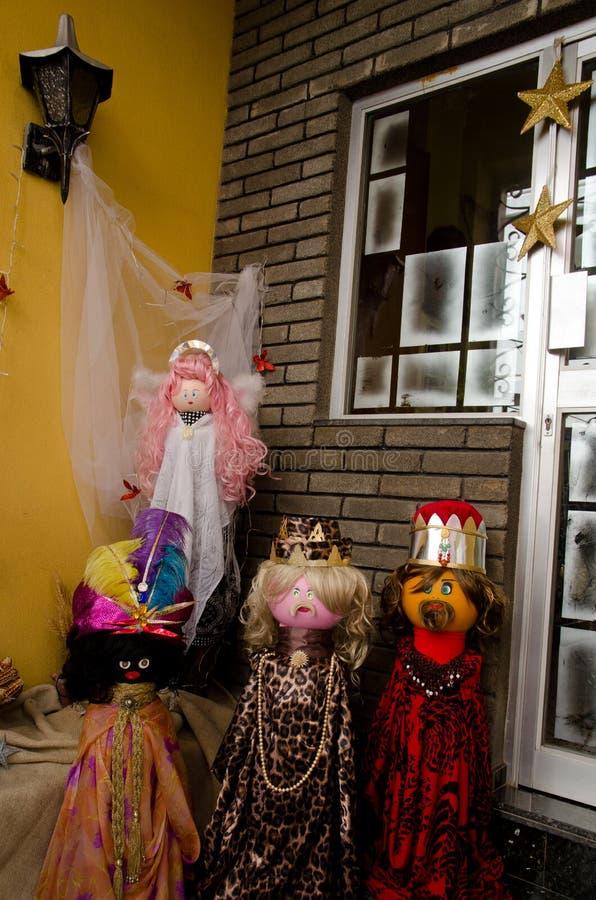 Κούκλες που αντιπροσωπεύουν τη σκηνή nativity στοκ εικόνα με δικαίωμα ελεύθερης χρήσης