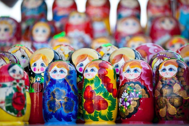 κούκλες που τοποθετούνται τα ρωσικά στοκ εικόνες