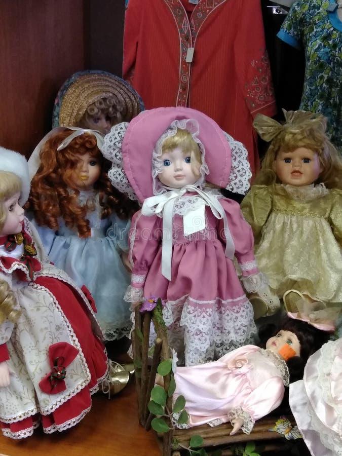 Κούκλες προσώπου γυαλιού σε μια ποικιλία στοκ εικόνα με δικαίωμα ελεύθερης χρήσης