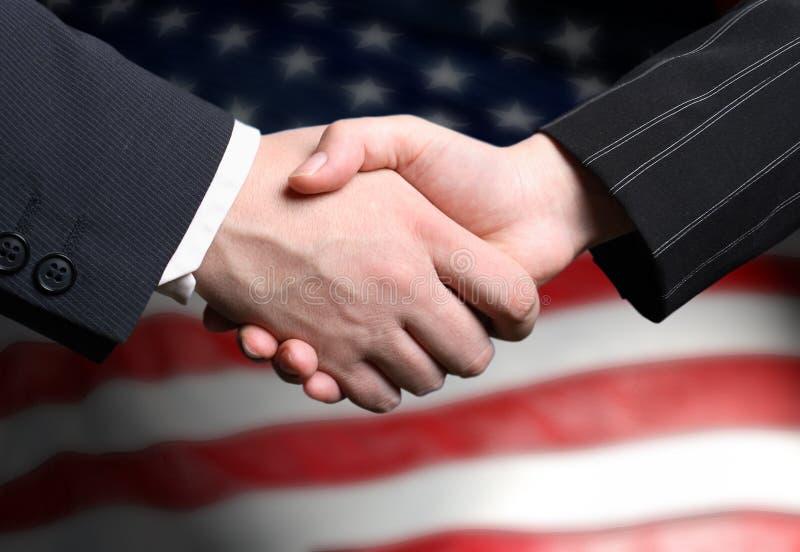 κούνημα χεριών αμερικανικών σημαιών στοκ φωτογραφία με δικαίωμα ελεύθερης χρήσης