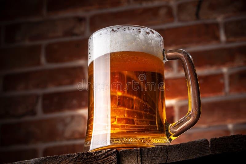 Κούπα μιας μπύρας στοκ εικόνα με δικαίωμα ελεύθερης χρήσης