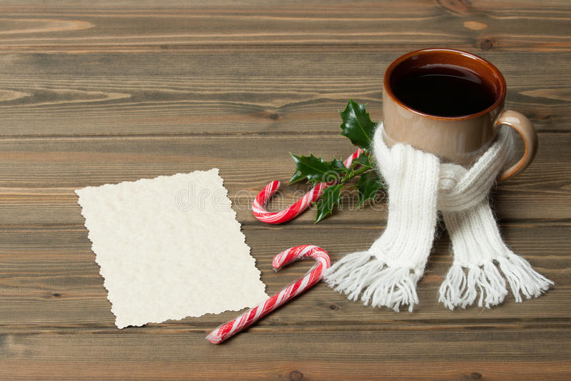 Download Κούπα της καυτής σοκολάτας με το μαντίλι Marshmallows Στοκ Εικόνες - εικόνα από αντίγραφο, κόκκινος: 62701704