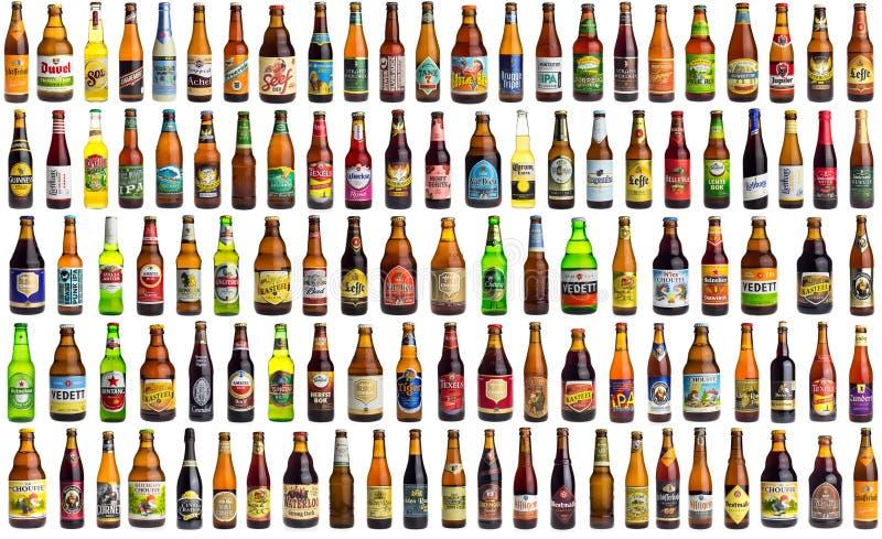 Κολάζ συλλογής των μπυρών από σε όλο τον κόσμο στο λευκό στοκ εικόνες με δικαίωμα ελεύθερης χρήσης