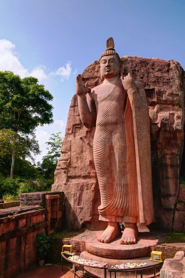 Κολοσσιαίο άγαλμα της εικόνας Avukana Βούδας, Σρι Λάνκα στοκ εικόνες