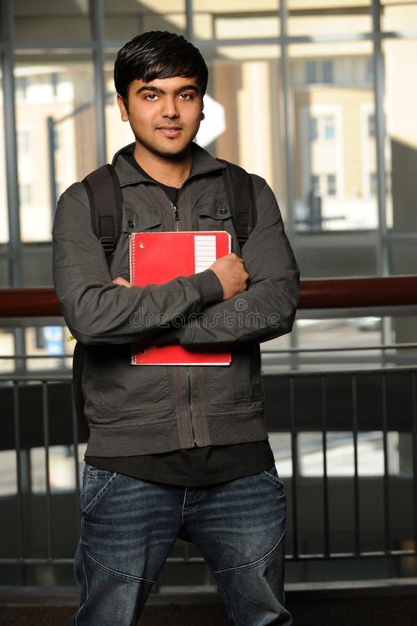 κράτημα του ινδικού σπου& στοκ φωτογραφίες με δικαίωμα ελεύθερης χρήσης