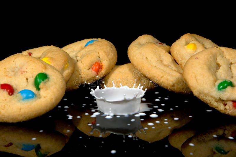 Download κρέμα μπισκότων στοκ εικόνες. εικόνα από κορώνα, μπισκότα - 13180848