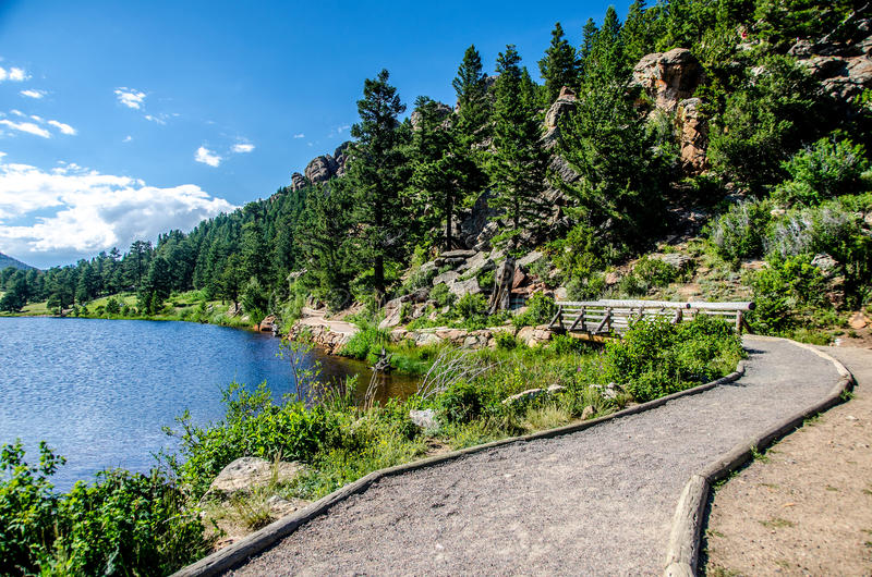 Κρίνων λιμνών δύσκολο ίχνος του Κολοράντο πάρκων βουνών εθνικό στοκ φωτογραφίες με δικαίωμα ελεύθερης χρήσης