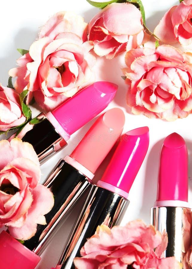 κραγιόν Ζωηρόχρωμα κραγιόν μόδας Επαγγελματικές Makeup και ομορφιά Όμορφη έννοια σύνθεσης Lipgloss στοκ φωτογραφίες