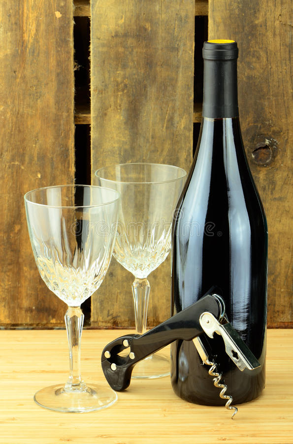 κρασί γυαλιών ανοιχτήρι στοκ φωτογραφίες με δικαίωμα ελεύθερης χρήσης