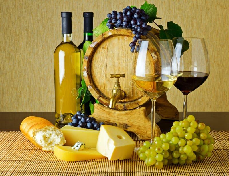 Κρασί και τυρί στοκ φωτογραφία