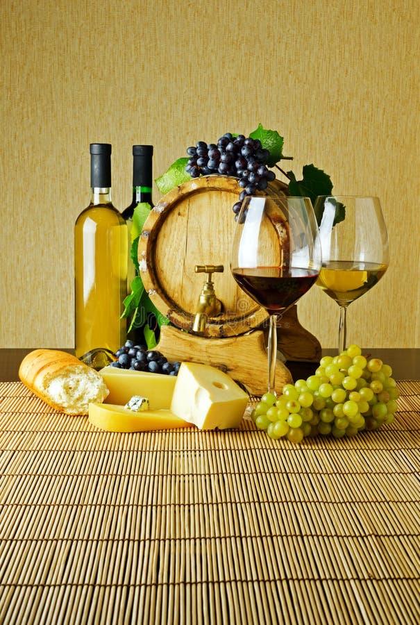Κρασί και τυρί στοκ εικόνες με δικαίωμα ελεύθερης χρήσης