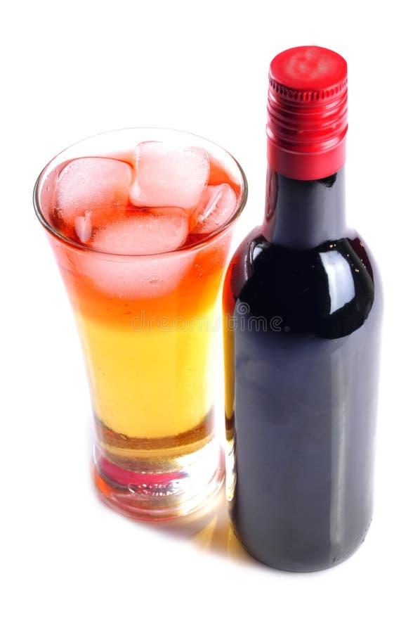 κρασί κοκτέιλ μπουκαλιώ&nu στοκ εικόνες με δικαίωμα ελεύθερης χρήσης
