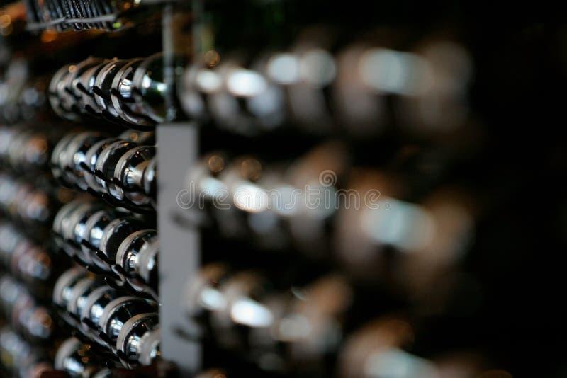 κρασί ραφιών στοκ εικόνες με δικαίωμα ελεύθερης χρήσης