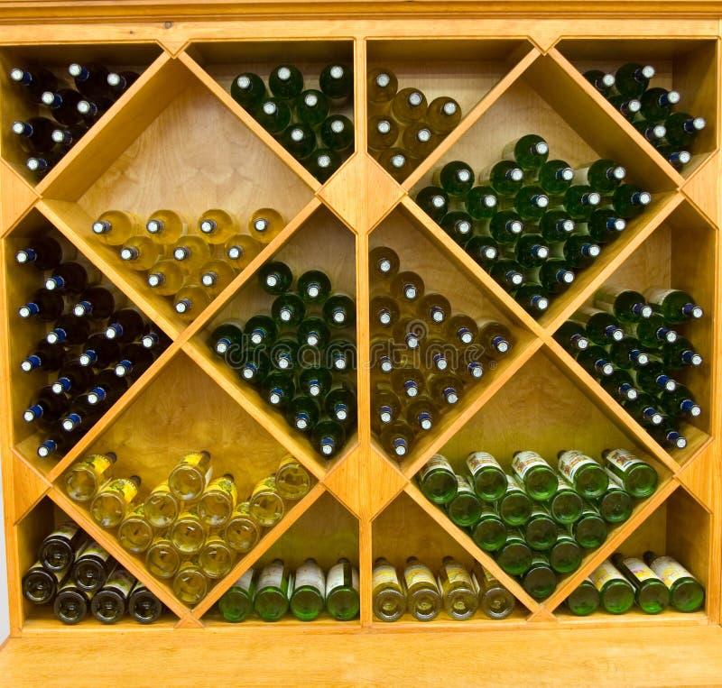 κρασί ραφιών στοκ φωτογραφία