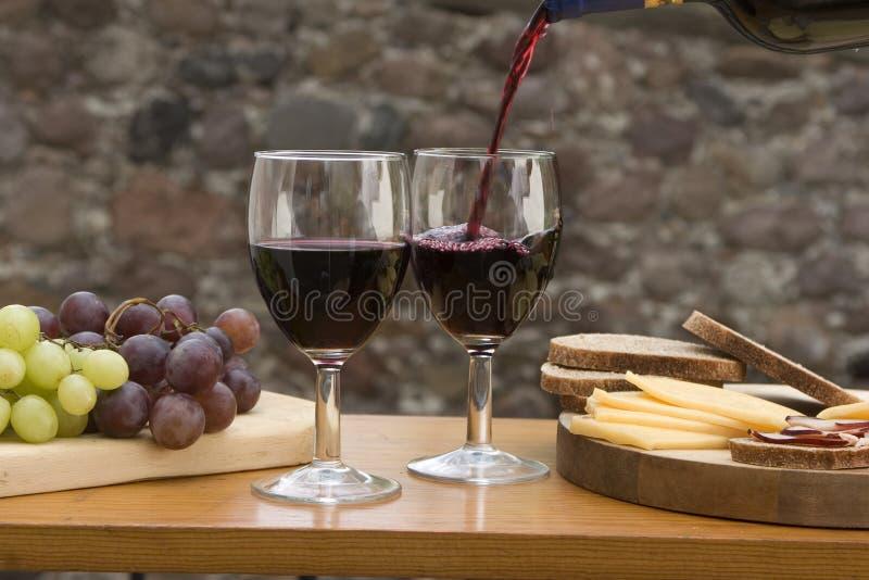 κρασί τυριών ψωμιού στοκ φωτογραφία
