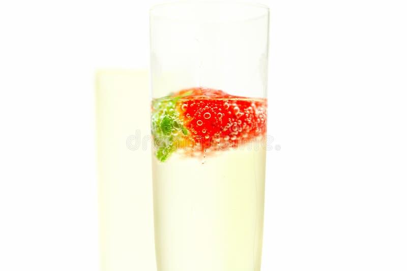 κρασί φραουλών γυαλιού &sigm στοκ εικόνες με δικαίωμα ελεύθερης χρήσης