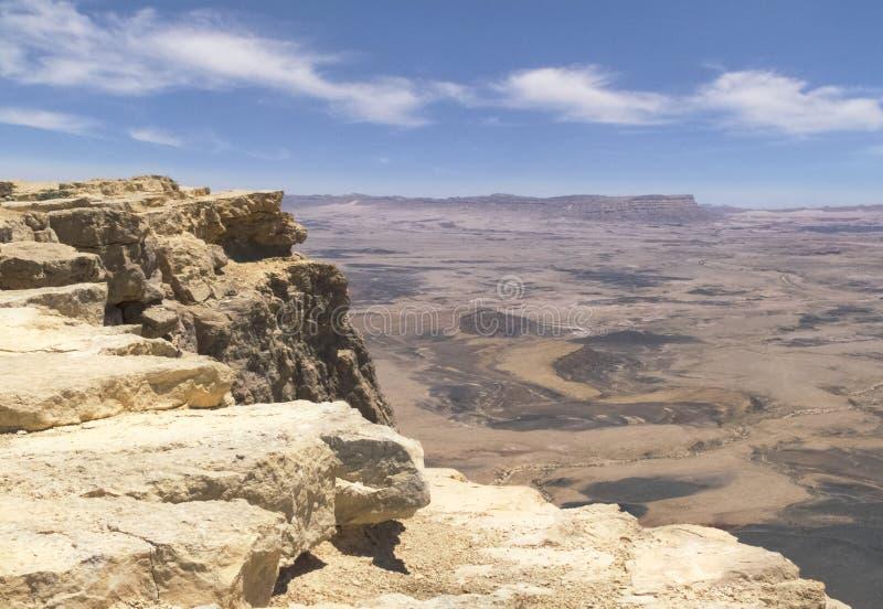 Κρατήρας του Ramon Makhtesh στο Χάιλαντς Negev στο Ισραήλ στοκ εικόνα με δικαίωμα ελεύθερης χρήσης