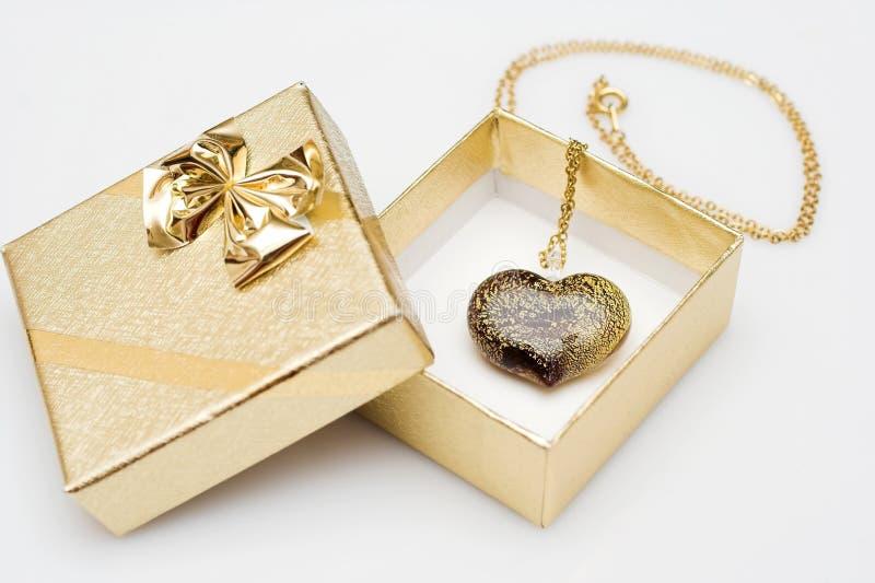 κρεμαστό κόσμημα καρδιών κ&io στοκ φωτογραφίες