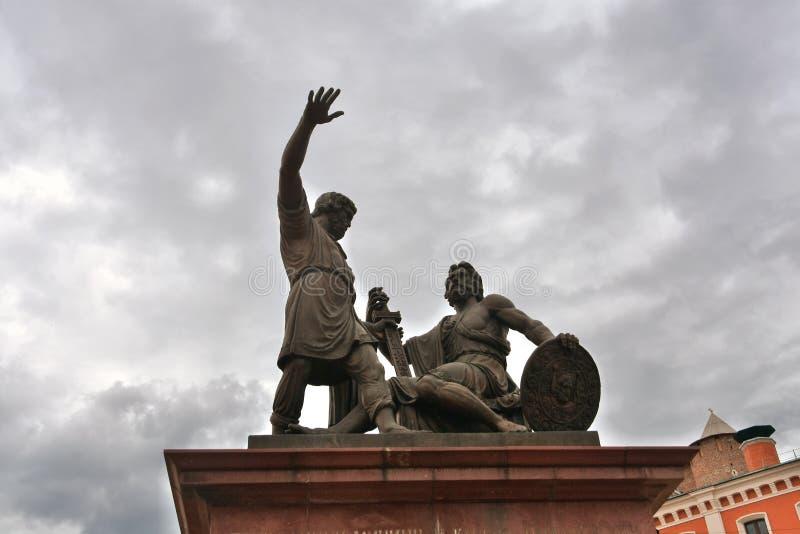 Κρεμλίνο σε Nizhny Novgorod, Ρωσία Μνημείο σε Minin και Pozharsky στοκ φωτογραφία με δικαίωμα ελεύθερης χρήσης