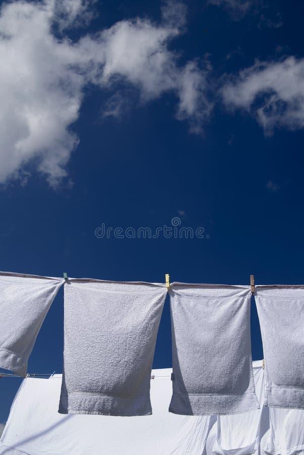 κρεμώντας πλυντήριο στοκ εικόνες