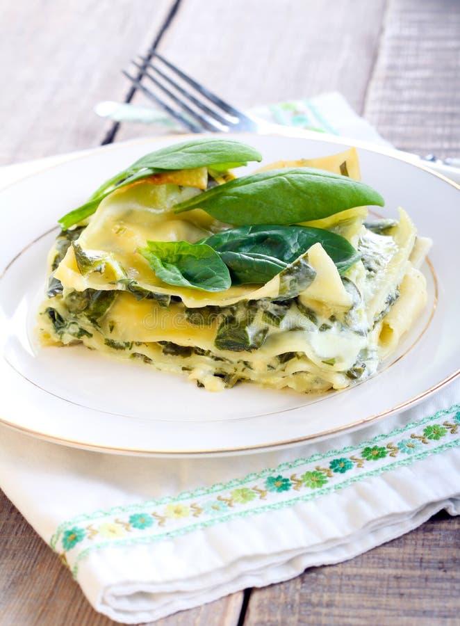Κρεμώδες lasagna σπανακιού στοκ φωτογραφία με δικαίωμα ελεύθερης χρήσης